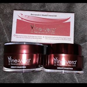 Vine Vera Day & Night Cream + Travel Kit